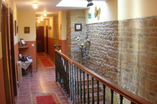 Hoteles rurales de Casonas Asturianas: los pasillos del hotel Cantiga del Agüeira.