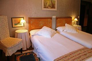 Hoteles rurales de Casonas Asturianas: habitación del hotel Palacio Álvaro Flórez-Estrada
